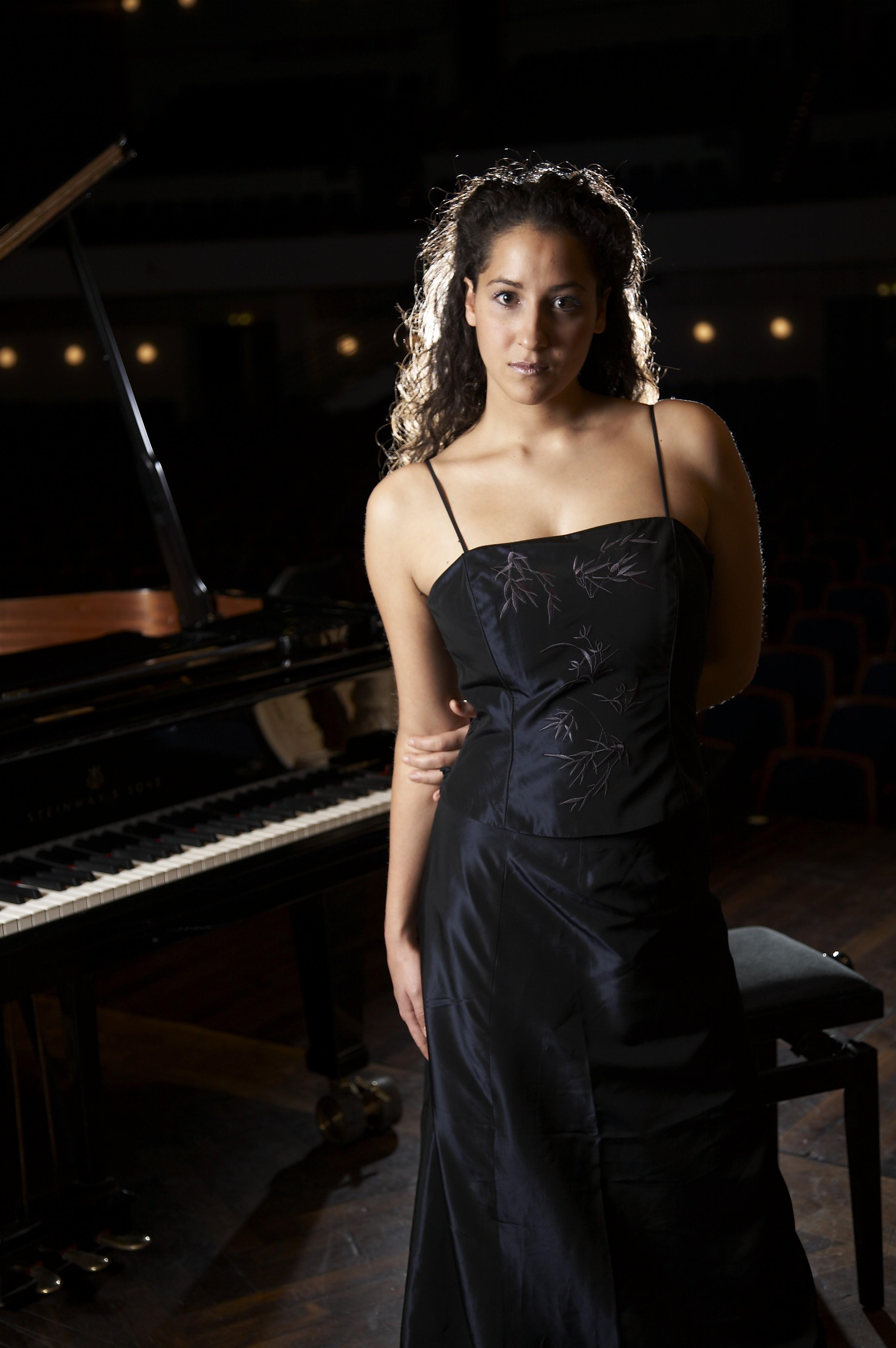 Meryem Akdenizli plays Liszt